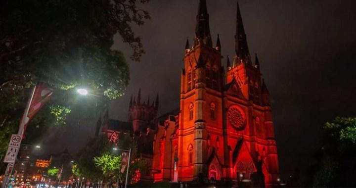 Miles de Iglesias y monumentos se iluminarán de rojo por los cristianos perseguidos