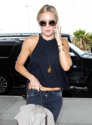 Kate Hudson: Round Sunglasses