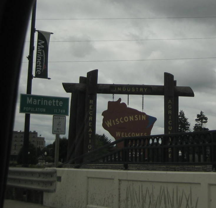 Almost missed it. Wisconsin seems to hide its welcome signs (at least out of drive by photography range).