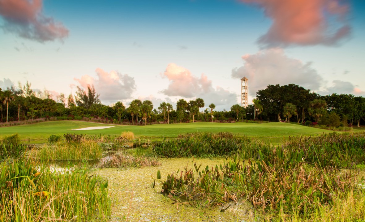 COUNTRY CLUB IN WESTGATE FLORIDA