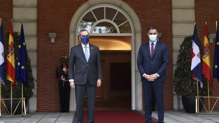Luis Abinader y Pedro Sánchez