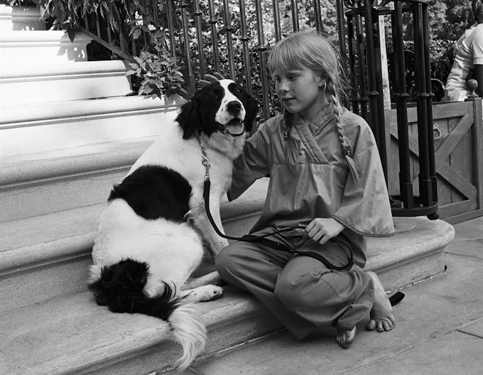 Amy Carter and her mixed-breed dog, Grits, on June 9, 1977.