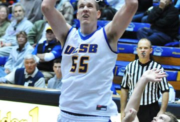 Lakers sign Greg Somogyi, Reeves Nelson