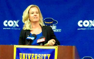 With the backing of legends, Mitchell lands UCSB job
