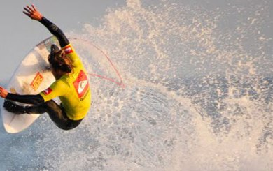 Dane Reynolds beats out Bobby for Rincon title
