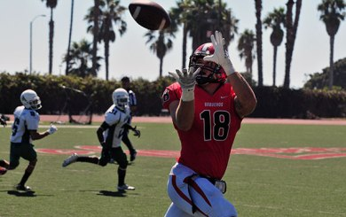 East L.A. beats Vaqueros on final drive