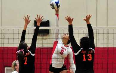WVB: Vaqueros rally to win playoff five-setter