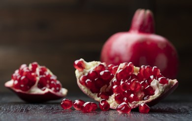 Nutrition Tips for Athletes: Pomegranates – The Fruit with a Crown