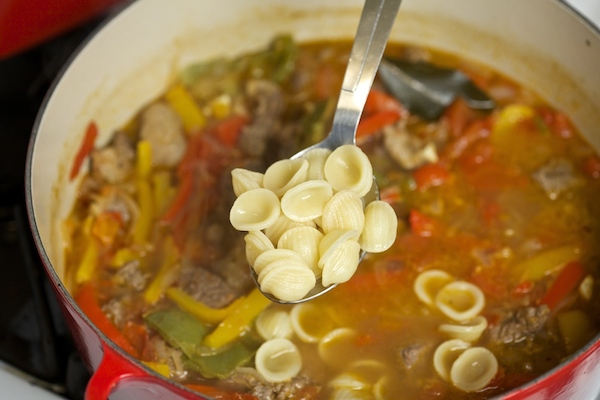 pasta goes into the steak picado #ItsPossibleWithBarilla