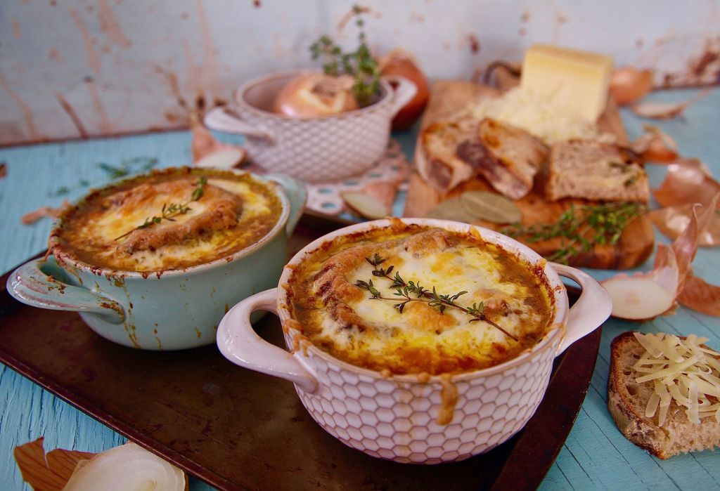 Vegetarian French Onion Soup is ideal for a day of cuddles.