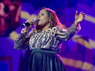 video: Sinach – I Live For You mp4 download