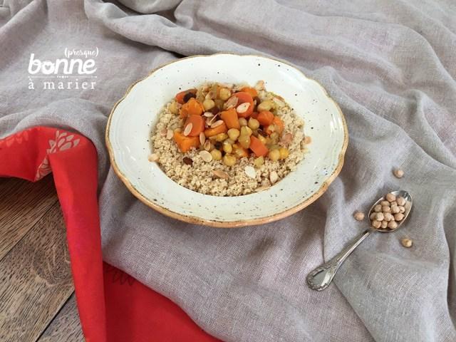 Tajine végétarienne aux carottes, pois chiches et épices douces