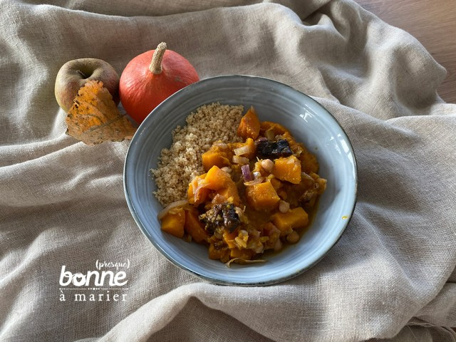 Tajine de potimarron et patates douces aux pommes et pruneaux