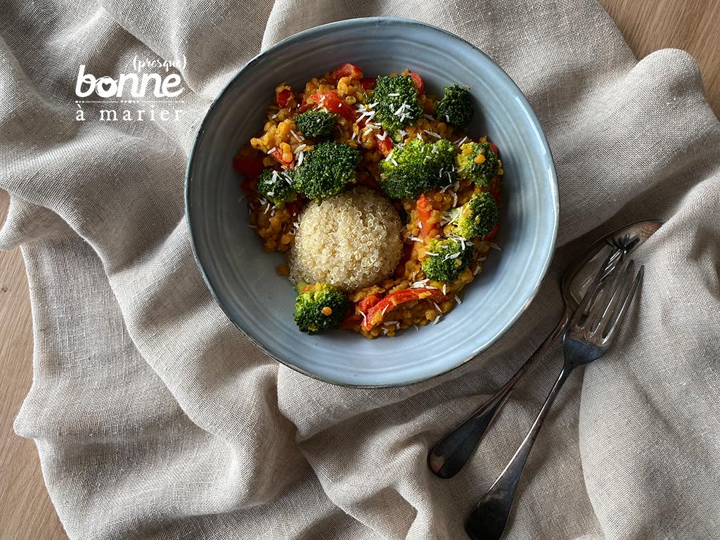 Curry rapide de brocoli et lentilles corail au lait de coco