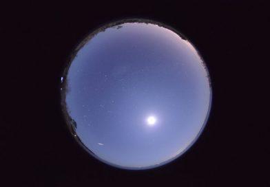 Chuva de meteoros Phoenicids: radiante de um cometa extinto ressurge após 58 anos