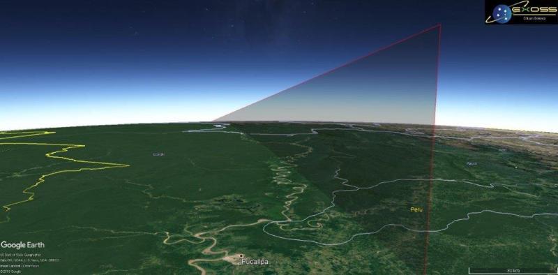 Trajetória estimada 3D do ponto inicial até o ponto de impacto – Trajetória de impacto geométrico em solo – linha contínua. Notar que a dimensão do evento é tamanha a ponto da curvatura terrestre suprimir informações da trajetória. Com base nos relatos da ferramenta sua trajetória foi de aproximadamente 900Km com seu ponto inicial (relatado e computado) em 80Km de altitude.