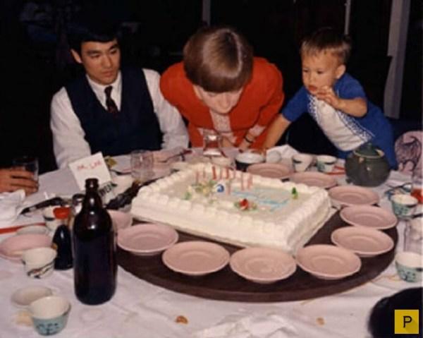 Брюс Ли и его семья (25 фото)