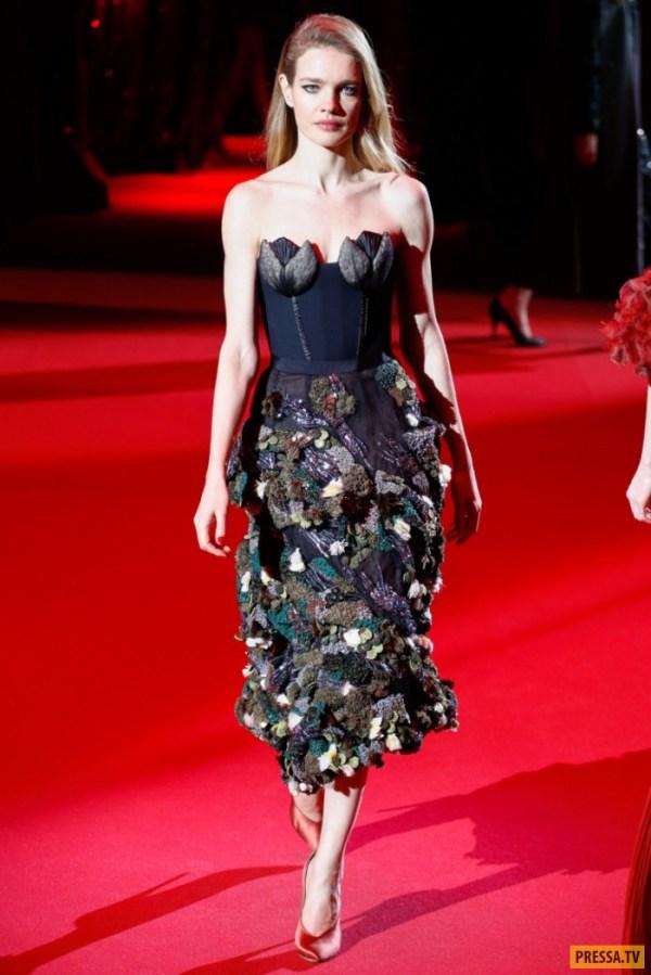 Наталья Водянова стала звездой показа мод в Париже (6 фото)
