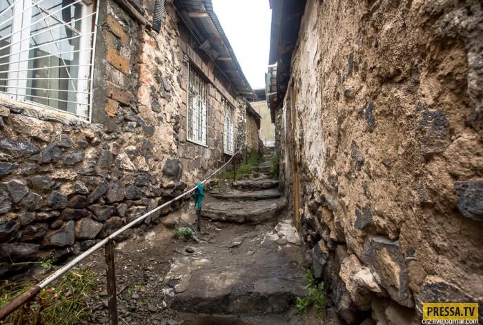 Конд район старинных улочек в Ереване (26 фото)