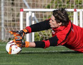 Marwin Hitz möchte sich nach den tollen Leistungen in dieser Saison auch für die Schweiz strecken.   Foto: Klaus Rainer Krieger