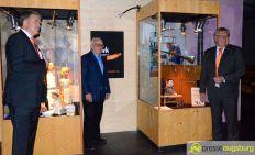 """2016-06-07-Kiste-Handwerker-–-03 """"Wer will Fleißige Handwerker seh'n…""""   Neue Sonderausstellung im Museum bei der Augsburger Puppenkiste Bildergalerien Freizeit Kunst & Kultur News Augsburger Puppenkiste Augsburger Puppenmuseum Die Kiste Handwerk Sonderausstellung  Presse Augsburg"""