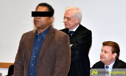 Der Angeklagte gestand zu Prozessbeginn den Doppelmord   Foto: Wolfgang Czech