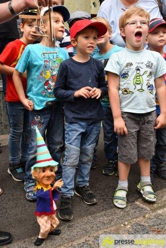"2017-07-14-Kasperl-Ampel-–-21 ""Jetz kosch gea!"" | Augsburg hat nun eine Kasperl-Ampel Augsburg Stadt Bildergalerien Kunst & Kultur News Newsletter Ampel Augsburger Puppenkiste Kasperl |Presse Augsburg"