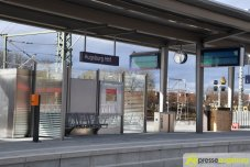 2018-12-08 Bahnsteig F – 06