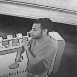 Diebstahl von Mobilfunktelefonen Polizei sucht nach Identität von Tatverdächtigen