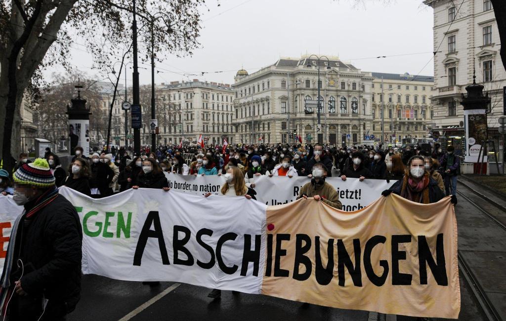 Wien: Schüler:innendemo gegen Abschiebungen (06.02.2021)