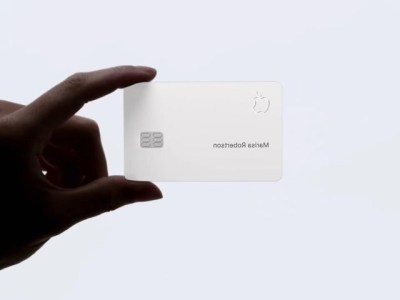 Americans Going Crazy With Apple Credit Card