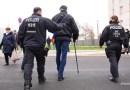"""""""Безвизовые"""" украинцы нелегально работают и торгуют оружием"""