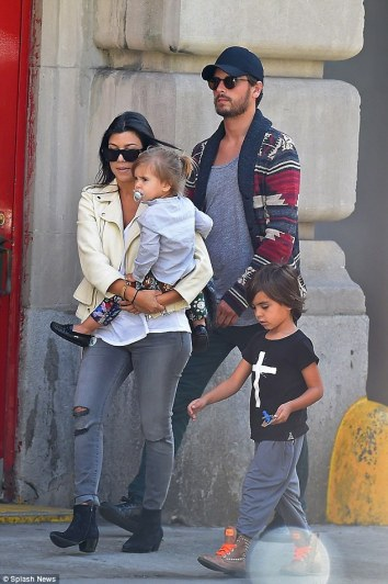Kourtney Kardashian and Scott Disick expecting baby number 3. kourtney pregnant again