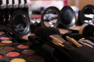 Roberto Ramos, Chiquinquira Delgado's make up artist, set up a beautiful make-up table.