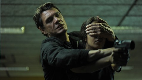 Bedrohung im Schatten (Krimi-Drama). Regie: Pierre Jolivet. Kinostart: 06.09.