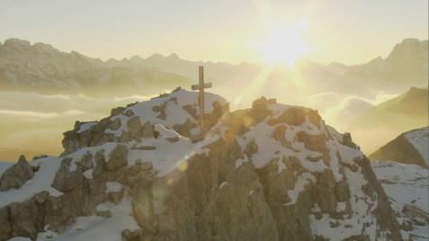 Die Alpen: Unsere Berge von oben (Doku). Regie: Peter Bardehle, Sebastian Lindemann. Kinostart: 13.09.