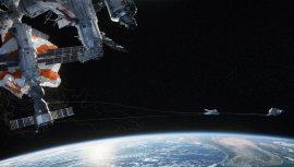 Gravity-©-2013-Warner-Bros.(13)