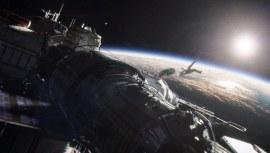 Gravity-©-2013-Warner-Bros.(16)