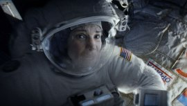 Gravity-©-2013-Warner-Bros.(19)