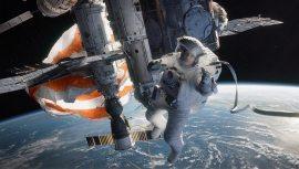Gravity-©-2013-Warner-Bros.(6)