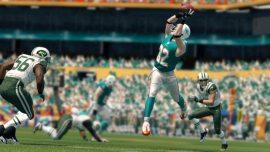Madden-NFL-25-©-2013-EA-(2)