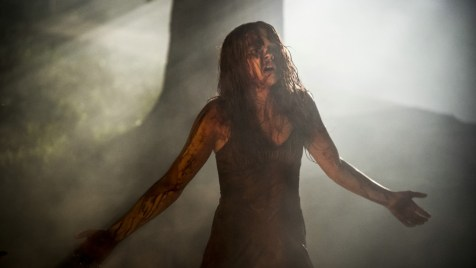 Carrie-©-2013-Sony-Pictures-Releasing-GmbH(10)