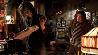 Only-Lovers-Left-Alive-©-2013-Polyfilm(9)