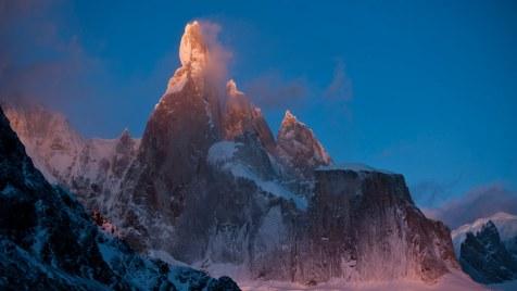 Cerro-Torre-©-2013-Lunafilm,-Corey-Rich-Red-Bull-Content-Pool(3)