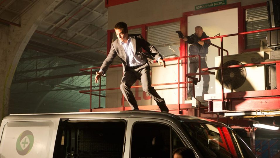Jack-Ryan-Shadow-Recruit-©-2013-Paramount-Pictures-Universal-Pictures(9)