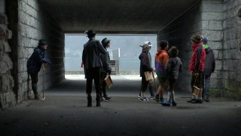 Und in der Mitte, da sind wir (Doku, Regie: Sebastian Brameshuber, 13.06.)