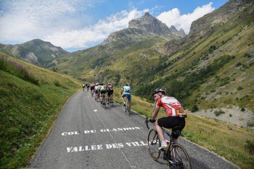 ツール・ド・フランスの過酷さをイヤでも体験してしまうのがエタップ・デュ・ツール ASO/Manu MOLLE