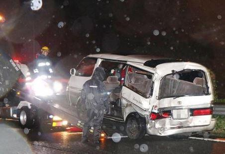 東名高速事故現場