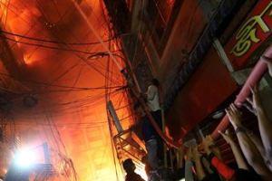 0221 07 1 - バングデシュ プラスチック工場で大規模火災 69人死亡 化学薬品爆発