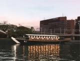 1627021 thum - 大阪屋形船で広重の浮世絵解説講座とリバークルーズを楽しむ・和食御膳つき